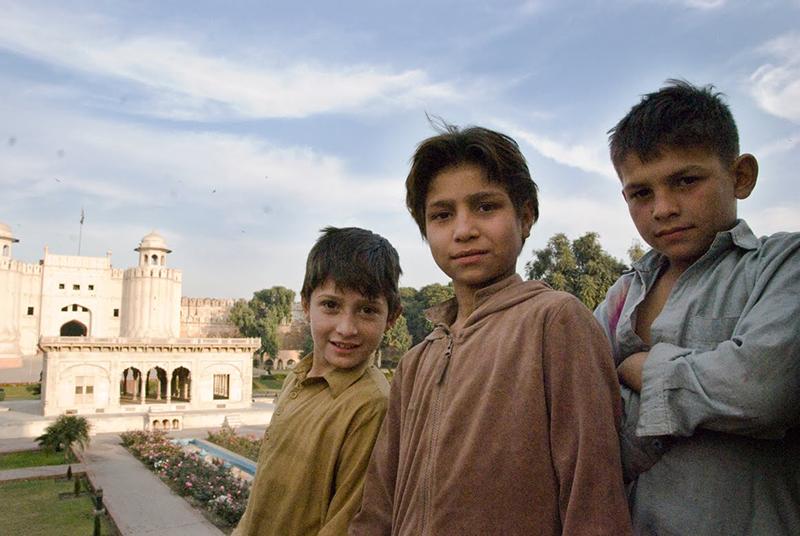 PakistanLahoregrabbarmindre